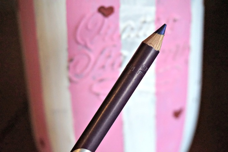 Pencil me In Eye Accent Pencil Amethyst