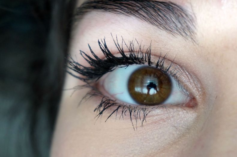 Clumpy mascara maybelline lash sensational review