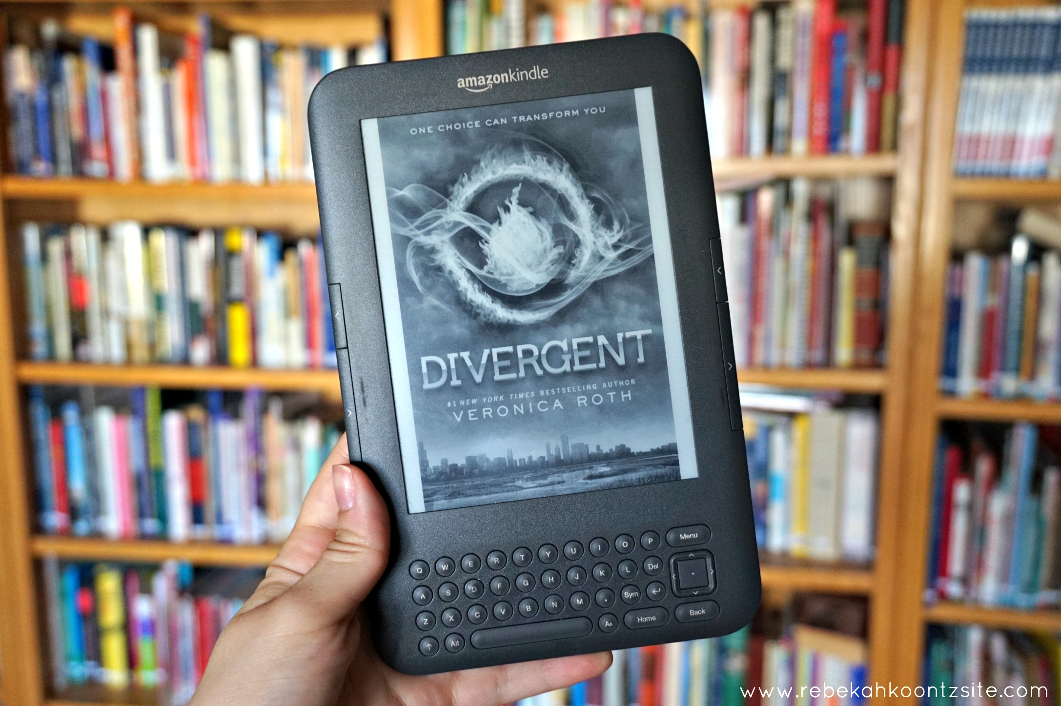 Divergent by Veronica Roth book review Rebekah Koontz site